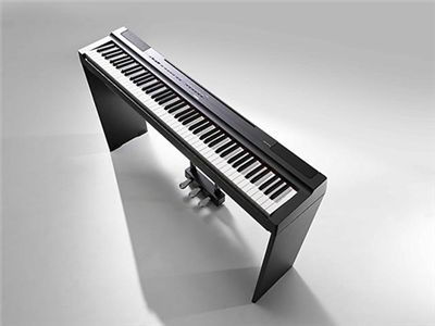 "Piano digital ""P-125"" y ""P-121"""